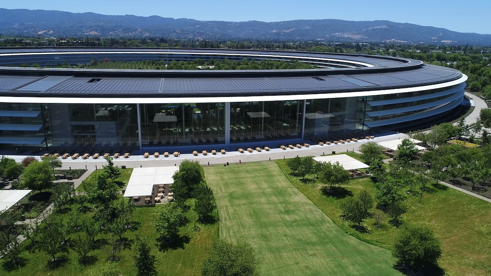 apple-park-drone-june-2018-2.jpg